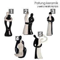 Patung Keramik dekorasi / patung porcelain dekorasi meja uk 12x5 cm