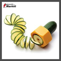 Pemotong Timun Lucu / Funny Kitchen Cucumber Slicer