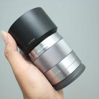 LENSA SONY E 50mm f1.8 OSS SILVER MULUS LENGKAP