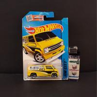 Pajangan Mainan Diecast Hotwheels Murah Custom 77 Dodge Van