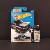 Pajangan Mainan Diecast Hotwheels Murah BMW 2002