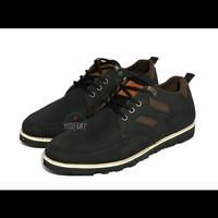 Sepatu Boots MOOFEAT ORIGINAL 4 Hole/Lubang