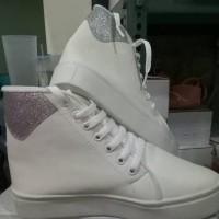 Dijual Sepatu Sandal Wanita Cewek Sepatu Boot Aw 12 Putih Casual