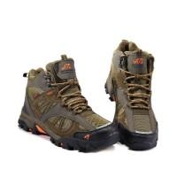 SALE Sepatu Gunung Hiking Shoes SNTA 481 Series