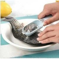 Pengupas / Pembersih Sisik Ikan Plastik dengan Tempat Pembuangan