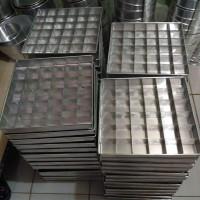 Loyang Sekat Brwonis/Coklat 20x20x4 Almunium 0,6mm A