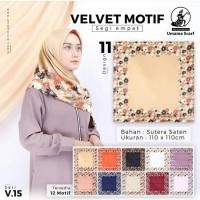 Kerudung Segi Empat Velvet Motif by Umama Scarf