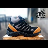 Sepatu Boots Adidas Platfoam