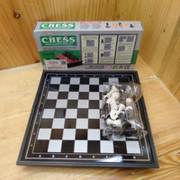 Catur High Class Chess Set Scale 1:1