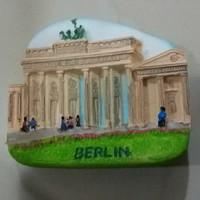 Souvenir magnet kulkas Berlin oleh oleh negara Jerman Germany
