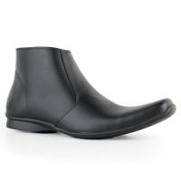 Sepatu Cardinal Rio 2