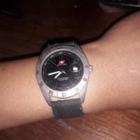 jam tangan pria baterai swiss army bekas original