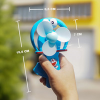 MAINAN MINIFAN KIPAS TANGAN MANUAL DORAEMON UKURAN SMALL