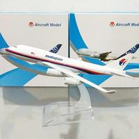 Diecast Pesawat B747 Malaysia
