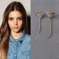 Vintage Triangle Brooch Retro Fashion Collar Lapel Pin / Bros