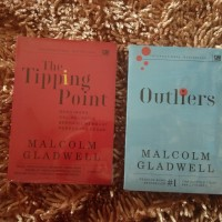 Buku The Tipping point Dan Outliers Malcolm Gladwell