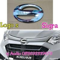 Logo s depan grill Daihatsu Sigra original baru