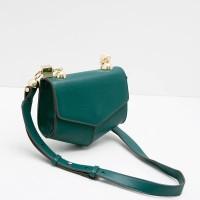 Berrybenka Xiexie Febitha Geometric Shaped Sling Bags Green