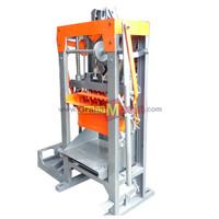Mesin Pencetak Batako dan Paving Manual Vibrator