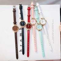 Versi Korea yang chic dari jam tangan wanita tahan air panggilan kecil