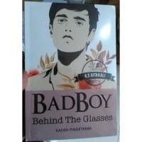 Badboy Behind The Glasses - Kadek Pingetania