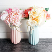 Pajangan Pot Bunga Keramik Carnation / Home Decor Flower Impor Artific