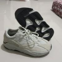"Sepatu Adidas Yeezy 700 ""Salt"" sz 44 2/3"