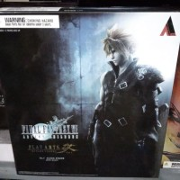 PROMO Play Arts Kai Cloud Final Fantasy VII Advent Children