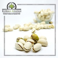 kacang pistachio 250 gr fustuk camilan sehat Import Kacang Arab
