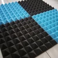 Busa peredam suara pyramid