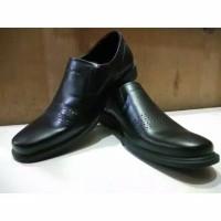 Sepatu Cardinal 3