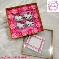 flowers box bunga mawar flanel dan boneka hello kitty kado hadiah unik