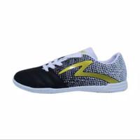 sepatu futsal specs equinox in black white