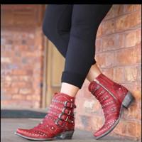 Sepatu Boots Musim Gugur
