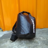Hypergear Dry bag 15L black - HARGA DISC 20%