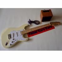 Gitar Fender Stratocaster Cream Paketan Siap Main