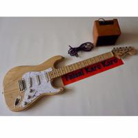 Gitar Fender Stratocaster Paketan Siap Main