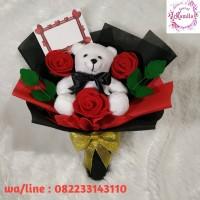hand bouquet buket bunga rangkaian mawar flanel dan boneka kado unik