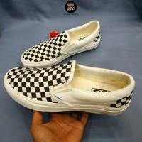 Sneakers Vans Slip On Checkerboard Off White Wanita Pria