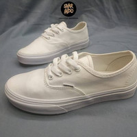 Sneakers Vans Authentic Full White #snkrindo Sepatu Wanita
