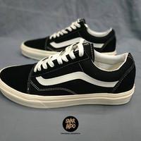 Sepatu VANS Old Skool Black White (dt)