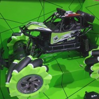 Mainan mobilan rc drift climbing car 2.4ghz 12 Channel mobil joget kad
