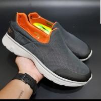 Sepatu Pria Skechers/Skecher Gowalk 4 Man