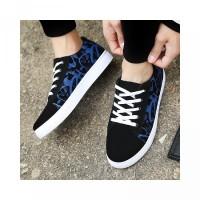 Sepatu kasual pria grafiti mencetak tumit rendah Lace-up olahraga data