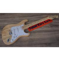 Gitar Fender Stratocaster Natural Limited Stok