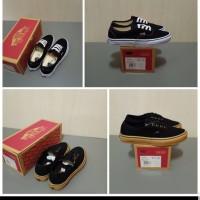 Sepatu Vans Authentic Black White / Black Gum