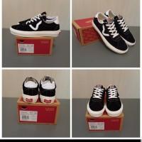Sepatu Vans Oldskool Style 73 Black White