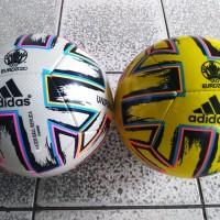 Bola sepak adidas