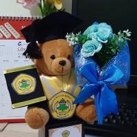 Boneka wisuda piala teddy bear + bunga