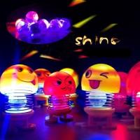 AY Pajangan Dashboard Mobil Boneka Emoji Goyang LED